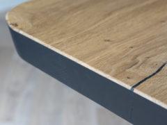 Rustiek-eiken-tafel-Stalen-onderstel-Pim
