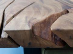 Suarhouten boomstamtafel - Stalen onderstel - Pim